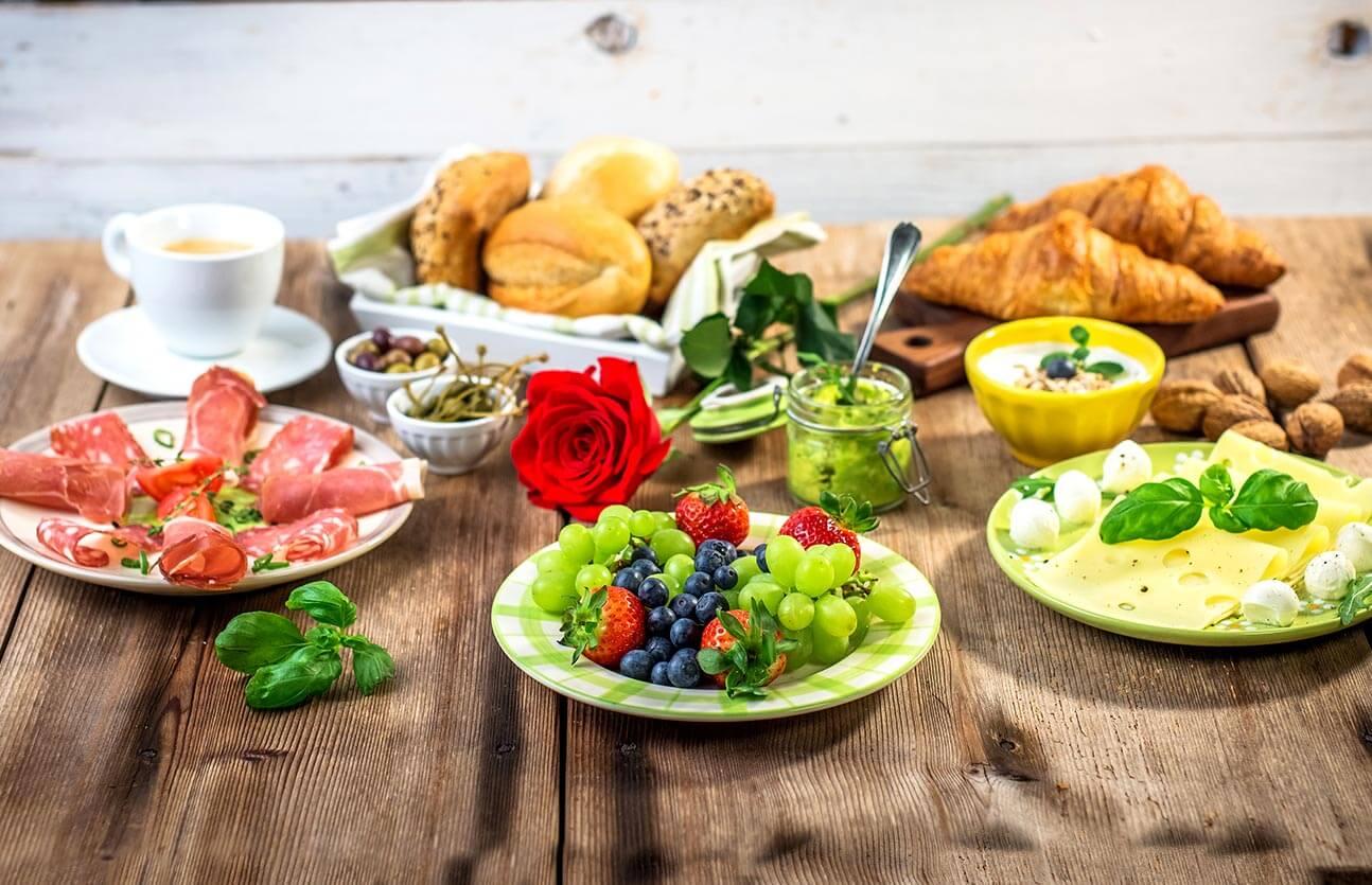 fruehstuecksbuffet-hochheim